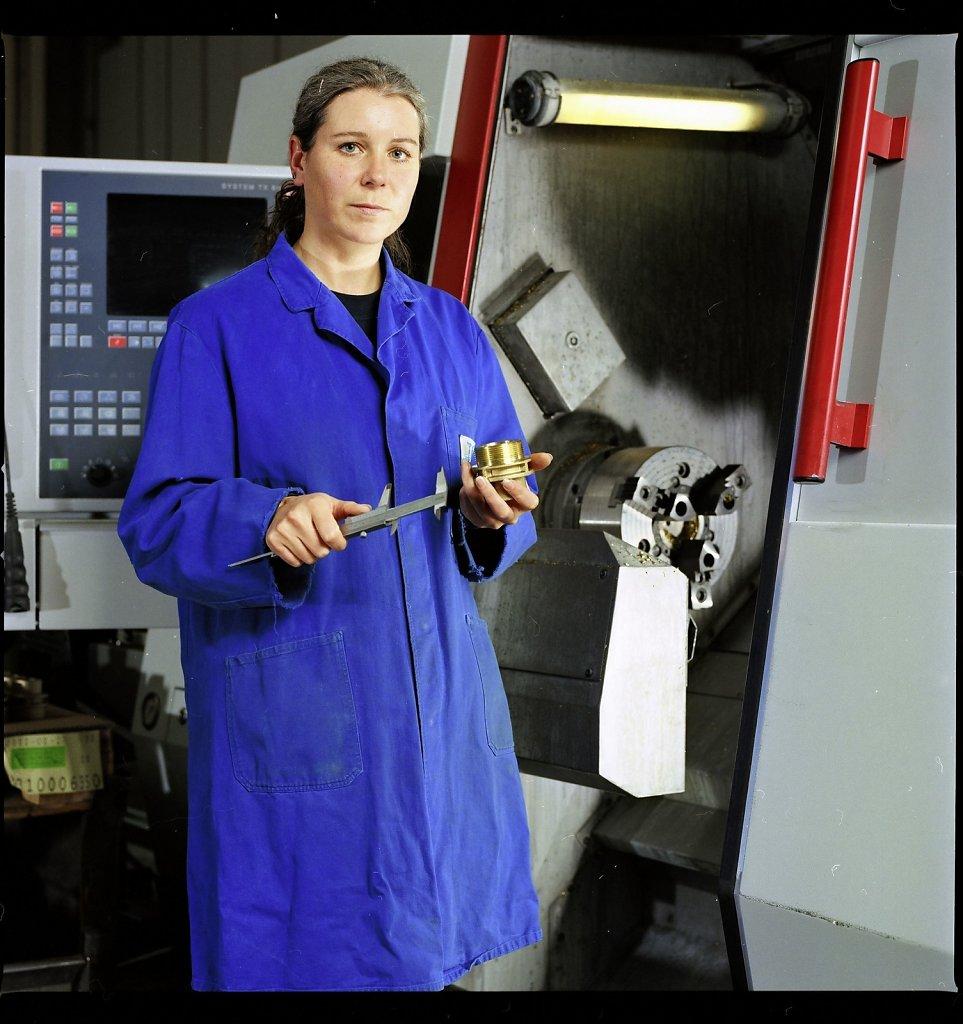Facharbeiterin CNC Fräse