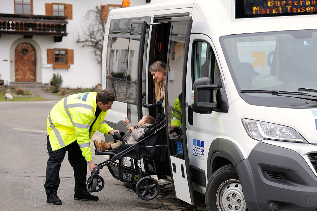 Hogger-Bus-01-9.jpg