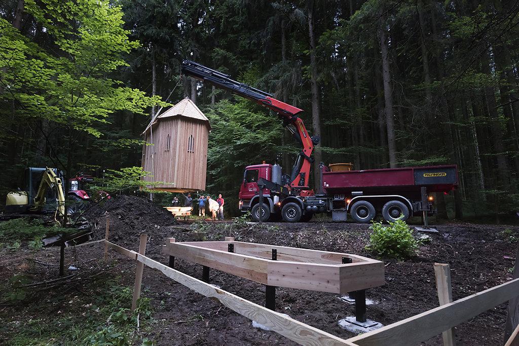 Juli 2017. Aufstellen durch Franz Poller, Mobilkranverleih.
